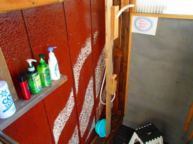 キャンプ用温水シャワー室